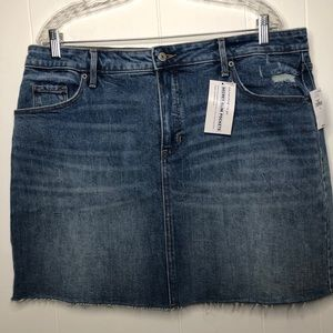 NWT Old Navy high rise Jean pencil skirt. Size 16